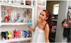First Experience come to Ariana Grande House and look her comfort bedroom
