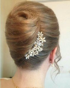 Trendy Wedding Hairstyles Updo Step By Step French Twists French Roll Hairstyle, French Twist Updo, French Twists, Twist Bun, Bun Hairstyles, Wedding Hairstyles, Updo Hairstyle, Unique Hairstyles, Famous Hairstyles
