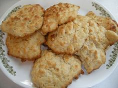Drop Biscuits – And How Your Mama Did It Just Right Sausage Biscuits, Cream Biscuits, Buttermilk Biscuits, Cat Head Biscuits, Drop Biscuits, Easy Biscuits, Breakfast Biscuits, Bacon Gravy, Easy Biscuit Recipe