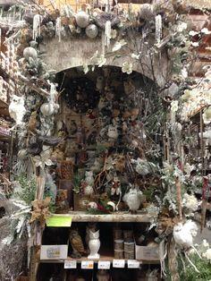 Theme inspiration from Shinoda Design Center Store Displays, Window Displays, Christmas Wedding, Christmas Tree, Christmas Window Display, Christmas Shopping, Display Ideas, Altar, Vignettes
