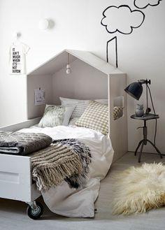 Bed house VT livinghttp: //www.nl/diy/kinderbed-met-houten-huisje/ - Home Diy Projects Kid Beds, New Room, Child's Room, Kids Furniture, Furniture Plans, Furniture Design, Plywood Furniture, Vintage Furniture, Modern Furniture
