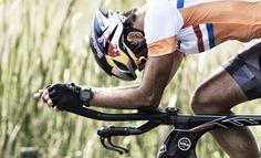 Adatto atutti gli appassionati di running e multisport, in particolare per il triathlon, il nuovissimo Forerunner® 735XT si caratterizza per le sue numerose funzioni per la corsa, ciclismo, nuoto, triathlon, ma anche per il canottaggio …