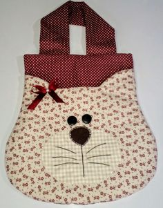 Bolso con cara de gato Sewing Hacks, Sewing Crafts, Sewing Projects, Hipster Purse, Cow Gifts, Shabby Chic Pillows, Denim Tote Bags, Embroidered Gifts, Jute Bags