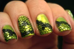 Lace look on apple nails