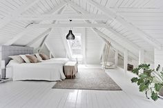 Attic Nook Window attic playroom and guest room.Attic Home Beautiful. Source by The post Extraordinary Attic Rooms Design Ideas appeared first on Atkinson Decor. Attic Playroom, Attic Loft, Loft Room, Bedroom Loft, Attic House, Attic Office, Attic Ladder, Attic Master Bedroom, Garage Attic