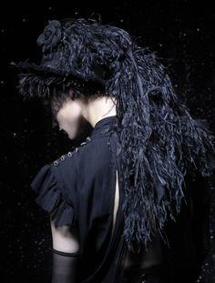 "cair–paravel: "" bienenkiste: "" Chanel Haute Couture Lookbook Fall/Winter 2011 "" """