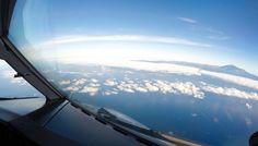 Isla de Tenerife desde la cabina de un ATR de Canaryfly. Imagen Stani Klajban