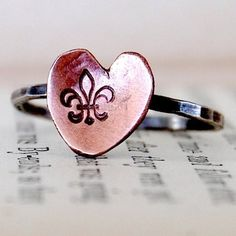 Fleur de lis just so happen to be the symbol of the two cities I love most in the world...Florence and New Orleans!