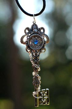 images/celestial_chains_key_necklace_by_keyperscove-d5dbu80.jpg