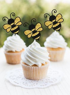 Excited to share this item from my shop: Bumble Bee Cupcake Toppers Bee Gender Reveal Bumble Bee Baby Shower Bumble Bee Birthday Mommy To Bee Party What Will It Bee Baby Shower Baby Reveal Cupcakes, Baby Shower Cupcakes, Shower Cakes, Gender Reveal Cake Toppers, Shower Baby, Girl Shower, Mommy To Bee, Bumble Bee Cupcakes, Bumble Bee Birthday