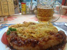 Dinner in  Interlaken. Kalberwurst und Rösti Types Of Sausage, German, Meals, Dinner, Cooking, Recipes, Food, Deutsch, Dining