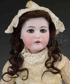 Kämmer & Reinhardt Puppen Große Kinderpuppe, auf dem Hinterkopf steht