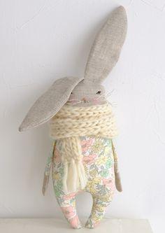 ■Little Rabbit / white stallの画像1枚目