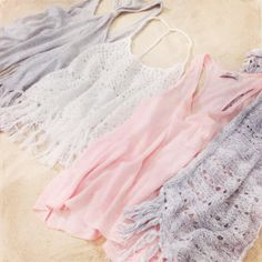Hollister Tanks Details, details, and DETAILS! These are key for a perf spring! Cute Fashion, Teen Fashion, Fashion Outfits, Cute Beach Outfits, Summer Outfits, Bad Girl Look, Hollister, Guys And Girls, Passion For Fashion