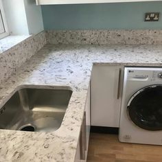 Bianco Foresta - Arseley, Herts - Rock and Co Granite Ltd Marble Effect, Window Sill, Washing Machine, Granite, Home Appliances, Rock, House Appliances, Kitchen Appliances, Washers
