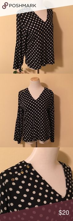 Navy Ann Taylor Polka Dot Top Sz M Very cute polkadot top from Ann Taylor! Silver buttons on the shoulders are a little extra detail. This top has a slight nautical feel to it without being costume-y. Three-quarter length sleeves. Sz M. Ann Taylor Tops
