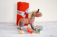 Organize a White Elephant Gift Exchange Intro.jpg
