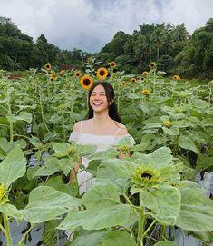 beautiful sunflowers amidst the stormy weather Filipina Actress, Filipina Beauty, Salvador, Weather, Singer, Poses, Actresses, Bride, Disney Princess