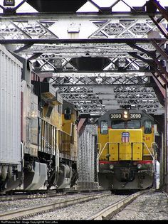 RailPictures.Net Photo: UP 3090 Union Pacific EMD SD40-2 at Omaha, Nebraska by Tom Loftus