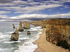 The city of Melbourne offers plenty of attractions for travelers, but its surrounding areas are also worth a visit.