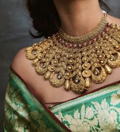 Kundan Jewellery Set, Bridal Jewellery, Wedding Jewelry, Gold Bangles Design, Gold Jewellery Design, Beaded Jewelry Designs, Necklace Designs, Cute Jewelry, Jewlery