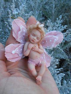 Fantasy Art Dolls by D. Baby Fairy, Love Fairy, Beautiful Fairies, Beautiful Dolls, Clay Fairies, Fairies Garden, Polymer Clay Fairy, Fairy Figurines, Reborn