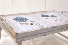 Hand painted and decoupage breakfast tray Small Furniture, Furniture Stores, Painted Gourds, Old Windows, My Dream Home, Decoupage, Projects To Try, Decorative Boxes, Shabby Chic