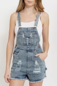Distressed Denim Overall Shorts. Pair these overalls with a cropped white top or a swimsuit for a easy and effortless beach babe look. It can also be paired with an off-shoulder floral top for a more put-together look! Denim Overall Shorts, Denim Overalls Outfit, Denim Shorts, Cardigan Outfits, Denim Blouse, Blue Blouse, Summer Outfits Women, Short Outfits, Off Shoulder Floral Top