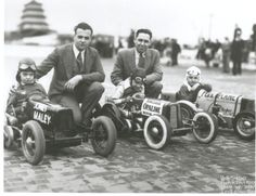 In honor of INDY 500 this weekend, our Sinclair Friend posted this amazing photo from his collection! Old Trucks, Antique Cars, Cool Photos, Indie, Black And White, History, Vehicles, Amazing, Pictures
