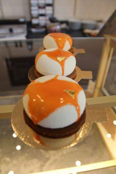 Entremets fraîcheur abricot, vanille et noisettes
