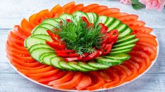 This technique is so useful and easy to make a food garnish flower from cucumber. Christmas Vegetable Dishes, Salad Decoration Ideas, Malai Chicken, Veggie Recipes, Cooking Recipes, Cooking Tips, Creative Food Art, Food Art For Kids, Food Carving