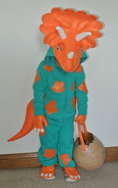 Super cute Triceratops costume for Halloween - DIY sewing tutorial