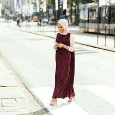 Image about girl in hijab & abaya & caftan by duaa♡sanae Islamic Fashion, Muslim Fashion, Modest Fashion, Unique Fashion, Casual Hijab Outfit, Hijab Chic, Hijab Wear, Stylish Hijab, Hijab Evening Dress