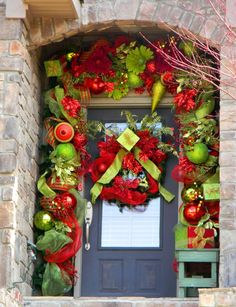 Christmas Door Decorations | Bright and Cheerful Christmas front Door Decor | Furniture Pictures ...