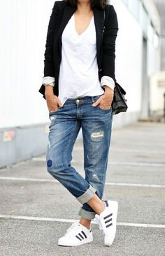 Street style. So much yes! Perfect with the blazer and Original Superstars