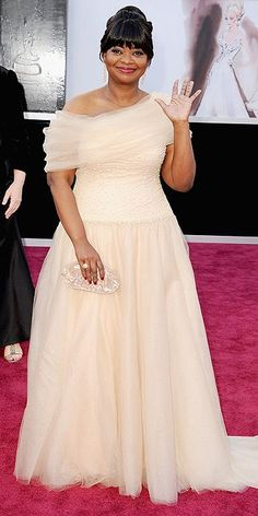 Octavia Spencer. Lovely. I like the lipstick too. It's all as it should be.