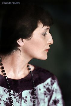 Anna Akhmatova, russian poet Feb History of Russia Russian Literature, World Literature, Anna Akhmatova, Russian Poets, Female Profile, Writers And Poets, Book Writer, Portraits, Interesting Faces