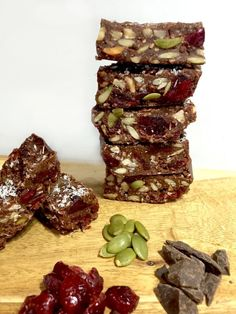 These delicious rocky road squares are loaded with vitamins, minerals, anti inflammatories and protein to say the least AND they're only 78 calories per serve Healthy Mummy Recipes, Healthy Sweet Treats, Healthy Sweets, Healthy Baking, Raw Food Recipes, Healthy Snacks, Mango Recipes, Almond Recipes, Cheap Clean Eating