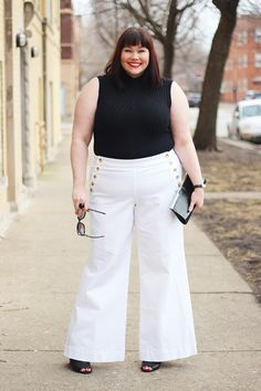 Ready to cheat on your skinnies? White wide-leg pants are a sophisticated and versatile piece to add toyour wardrobe. Super flatter...