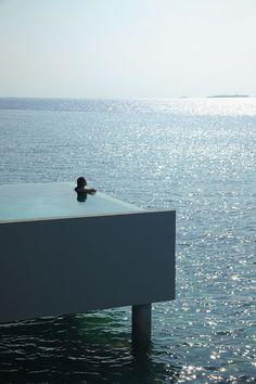 12 fotografías de piscinas con unas vistas preciosas y puestas en lugares insólitos