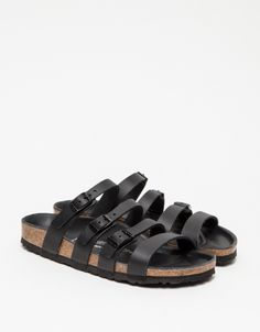 From Birkenstock, a minimalist slip on sandal. Features four fully adjustable black leather straps, shock absorbing EVA sole and original Birkenstock footbed. Pretty Shoes, Cute Shoes, Black Leather Sandals, Leather Birkenstocks, Leather Bag, Derby, Shoe Room, Walking In Heels, Comfy Shoes