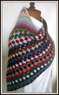 châle-écharpe asymétrique et multicolore : Echarpe, foulard, cravate par aiguilletine-et-crochetine
