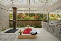 Open air bathtub at Villa Infinity #Bali