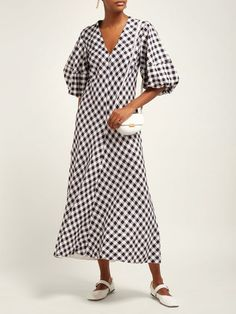 coat and dress Chic Outfits, Trendy Outfits, Fashion Outfits, Short Sleeve Dresses, Dresses With Sleeves, Tent Dress, Check Dress, Gingham Dress, Gingham Check