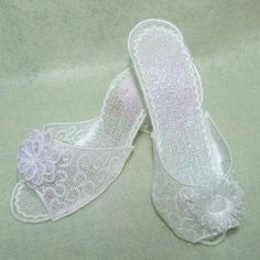 OregonPatchWorks.com - Sets - Free Standing Lace High Heel Shoes Amazing full size, freestanding lace, high heel  shoes are perfect for bridal parties! Can also be used as pincushions!  Easy to make, complete instructions included! Step on up to get yours!