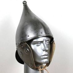 This helmet was made after a template from - century BC. This type of helmet was worn in regions in and around the Alps and in the north of the present Italy. Irish Celtic, Celtic Art, Iron Age, Elmo, Ancient Armor, Germanic Tribes, Celtic Warriors, Picts, Prehistory