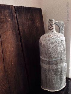"""""""Drinks on Jane!!"""" Oversize ceramic flask by Jane Wheeler.   「ジェーンのおごり…」 セラミック大ボトル、ジェーン・ウィラー。"""