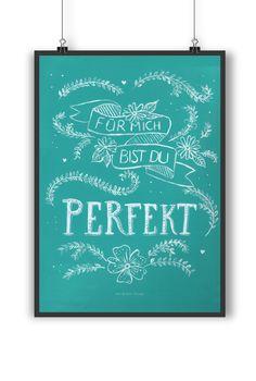 Poster DIN A4 Du bist perfekt aus Papier 160 Gramm  weiß - Das Original von Mr. & Mrs. Panda.  Jedes wunderschöne Poster aus dem Hause Mr. & Mrs. Panda ist mit Liebe handgezeichnet und entworfen. Wir liefern es sicher und schnell im Format DIN A4 zu dir nach Hause.    Über unser Motiv Du bist perfekt  Für mich bist du perfekt - eine Aussage, die so schlicht ist und doch mehr sagt als 1000 Worte.    Verwendete Materialien  Es handelt sich um sehr hochwertiges und edles Papier in der Stärke…