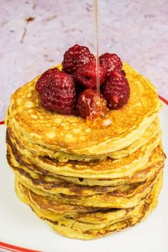 The most fluffy, delicious Syn Free American Pancakes you'll ever make on Slimming World. Uses your Healthy Extra B for the perfect breakfast.