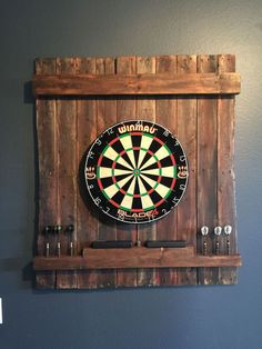 15 ideas to create your own dart board with pallets and corks! – Perfect Ideas - paletten 15 ideas to create your own dart board with pallets and corks! Man Cave Basement, Basement Gym, Man Cave Garage, Basement Remodeling, Basement Ideas, Gameroom Ideas, Man Cave Diy, Man Cave Home Bar, Cave Bar